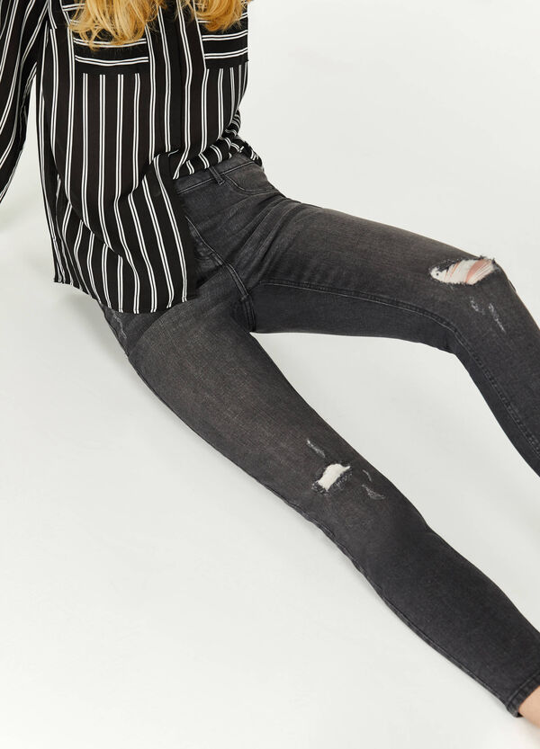 Ripped, skinny-fit stretch jeans