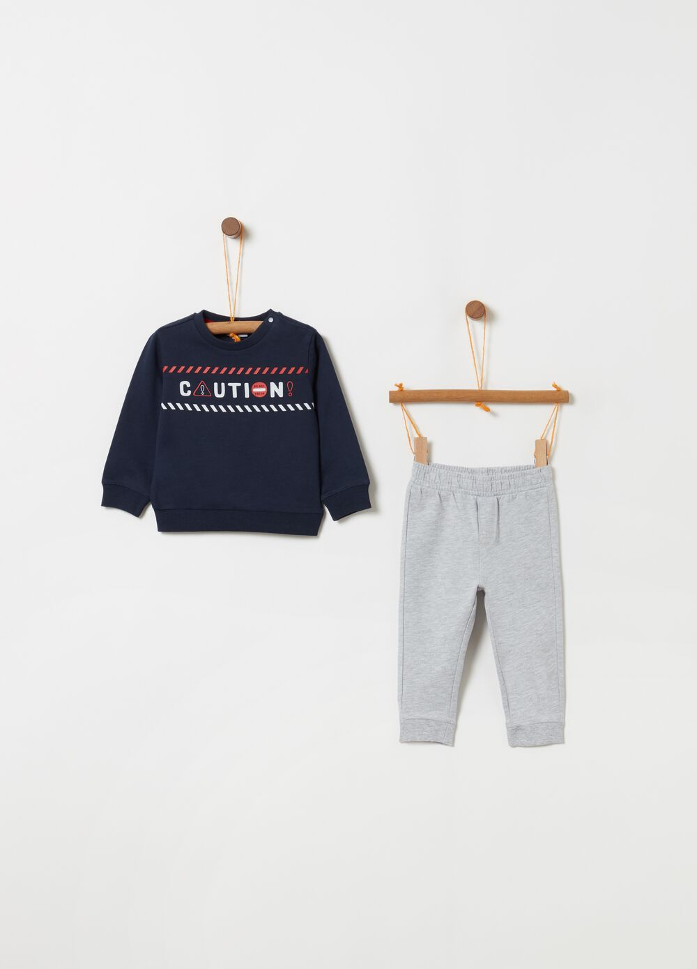 Top and trousers jogging set with lettering print