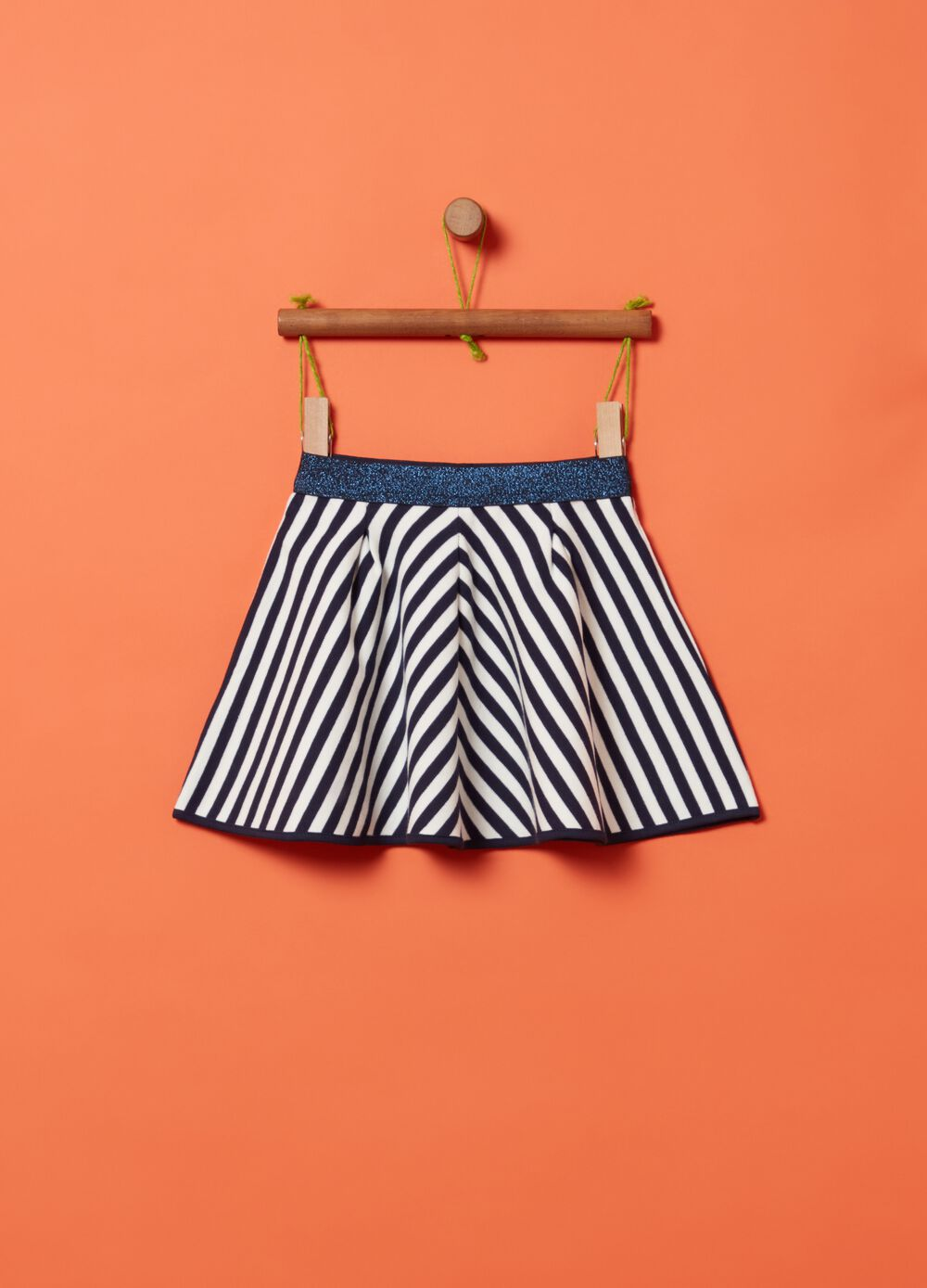 Pleated skirt in 100% cotton with pattern