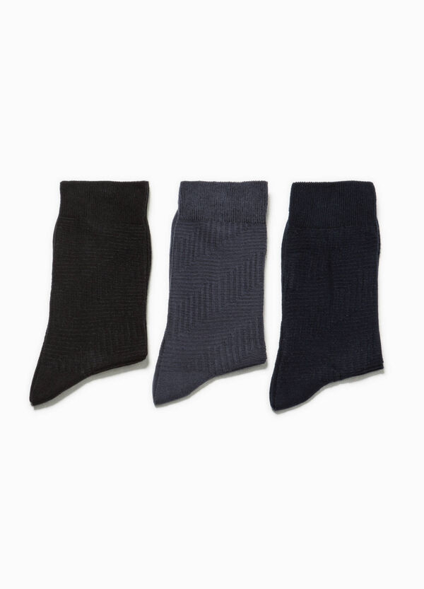 Three-pair pack socks with geometric weave