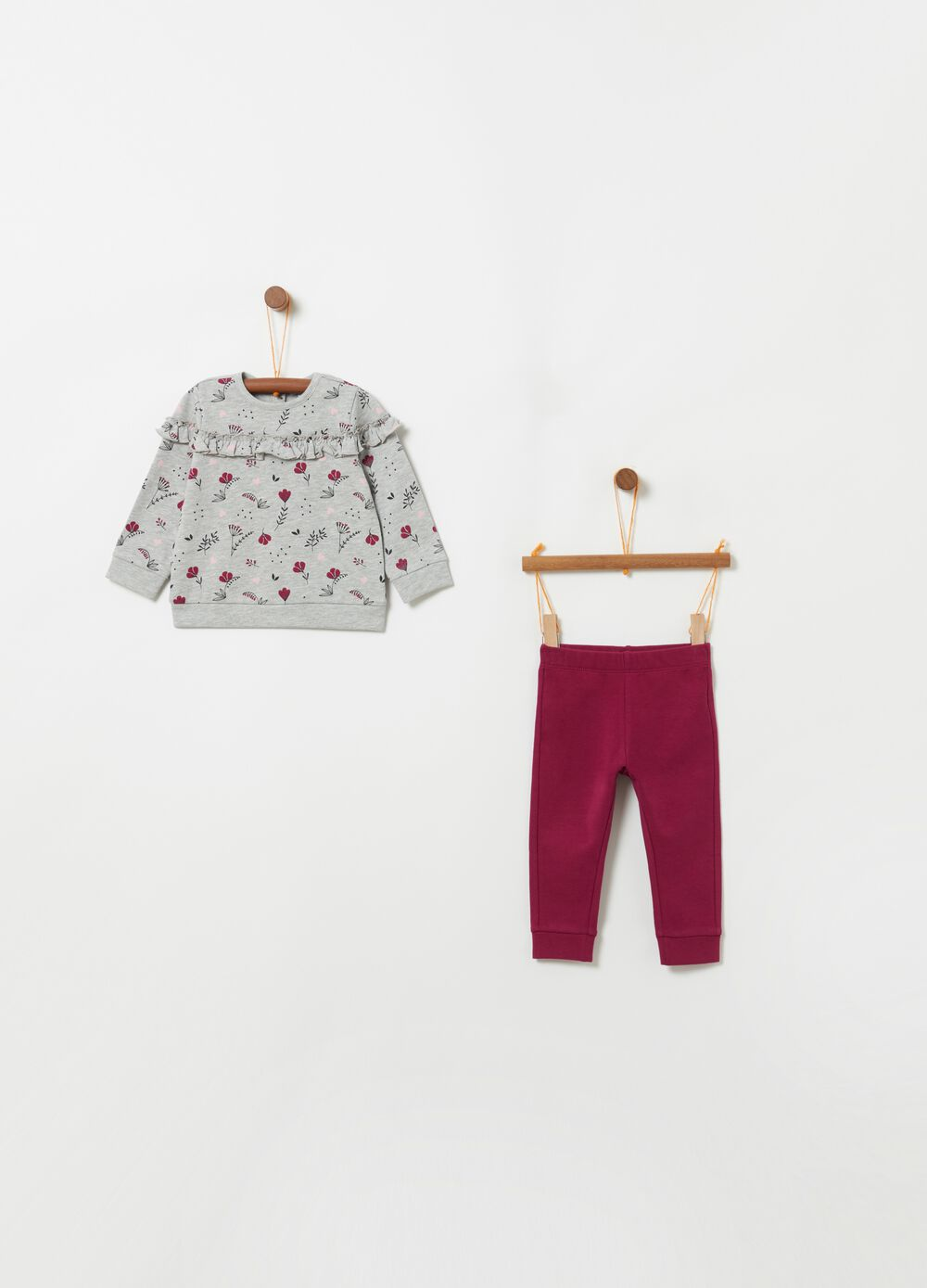 Patterned jogging set with T-shirt and trousers
