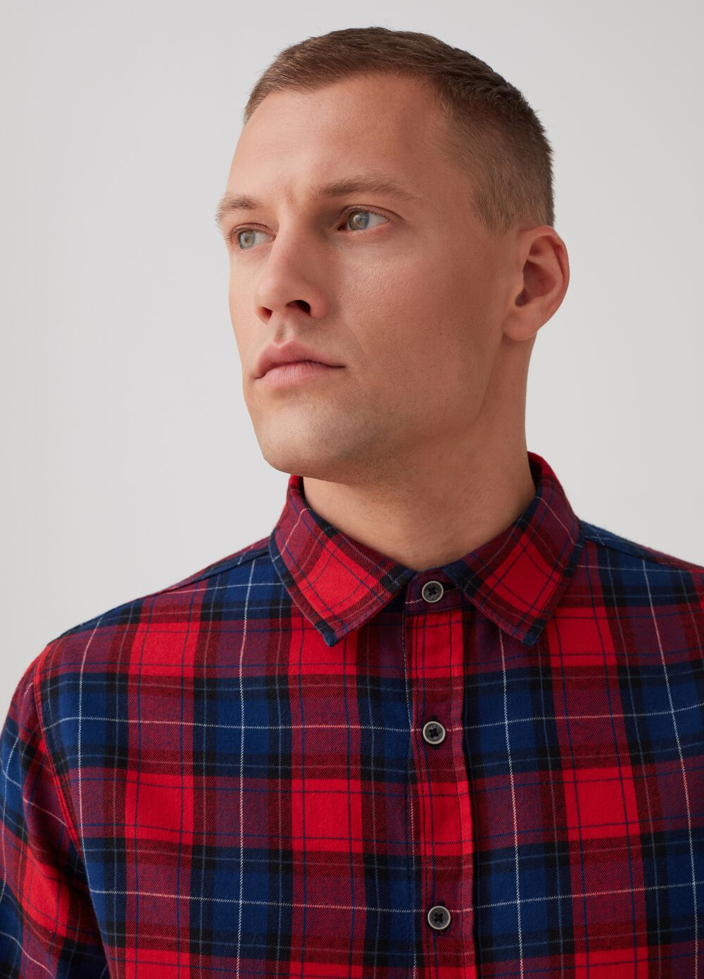 100% cotton shirt with buttons and check pattern