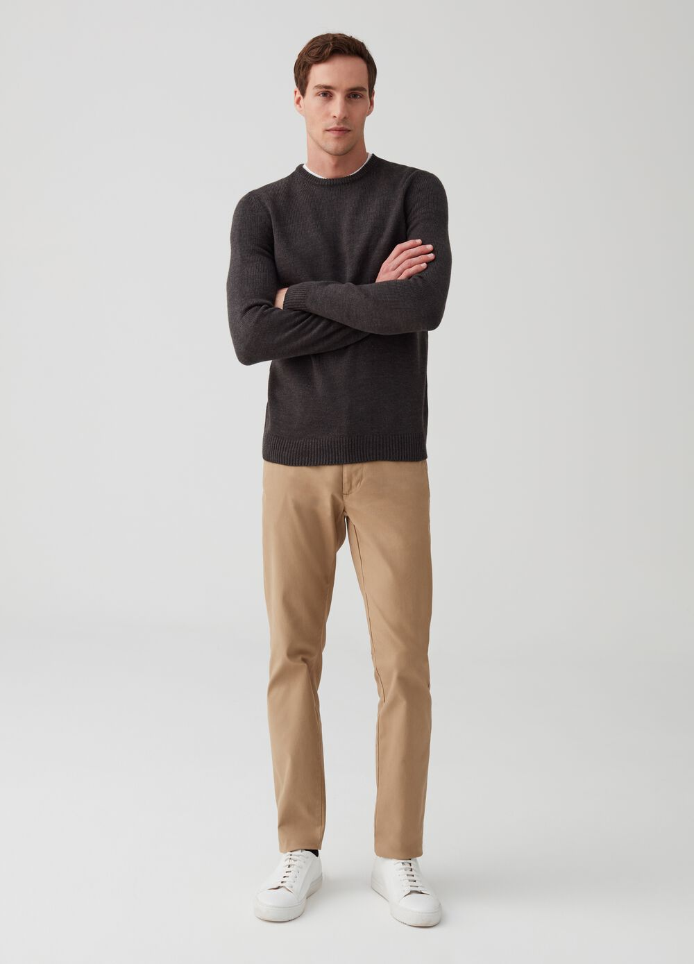 Stretch chino trousers with pockets