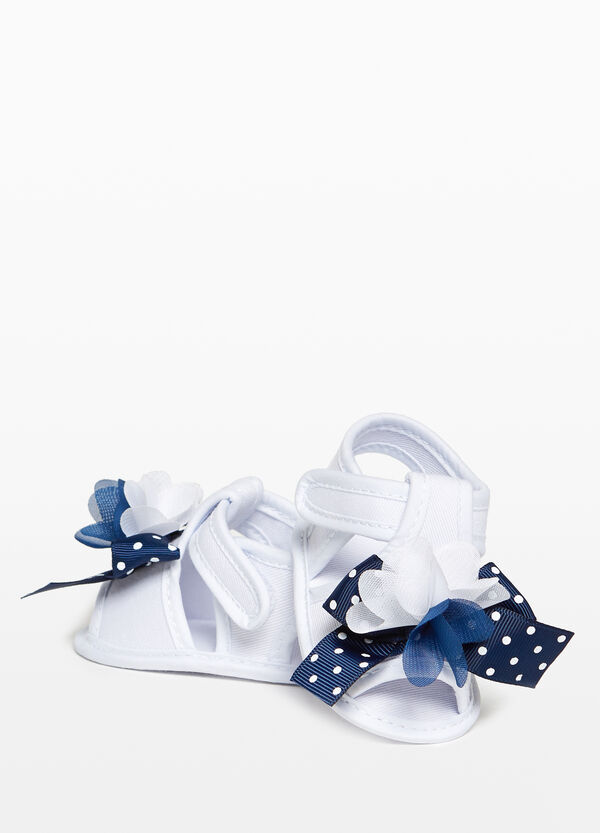 Canvas sandals with flowers and bow