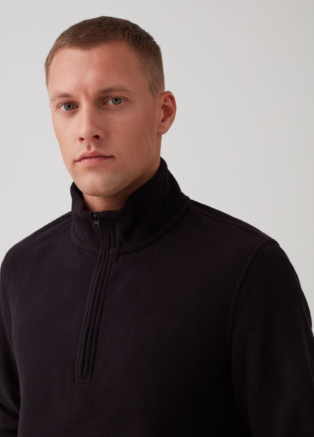 Sustainable fleece with high neck and zip