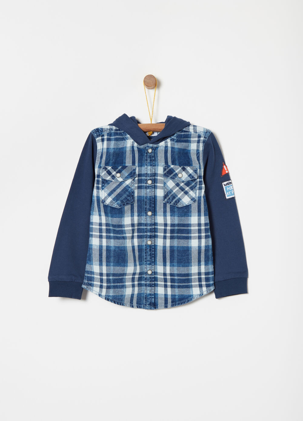 Shirt with tartan fleece sleeves