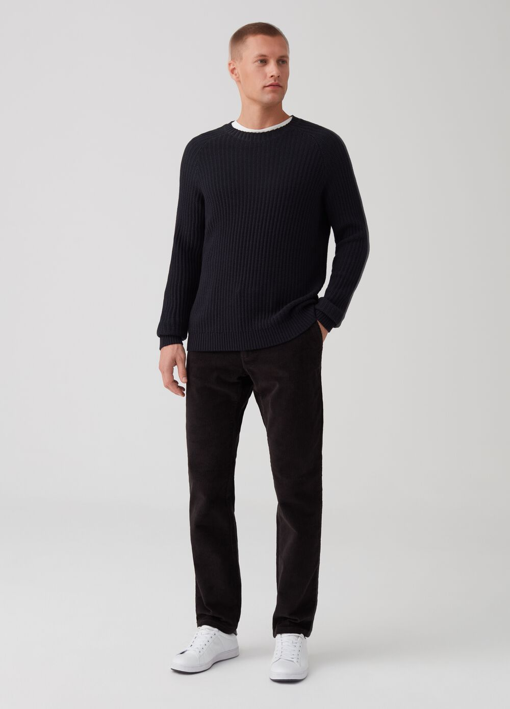 Regular-fit velvet chino trousers