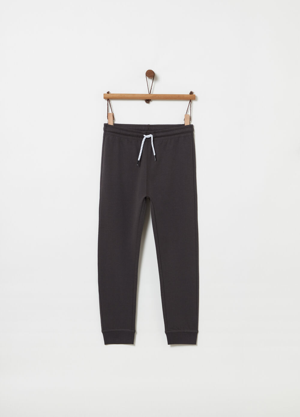 Regular-fit trousers with pocket and label