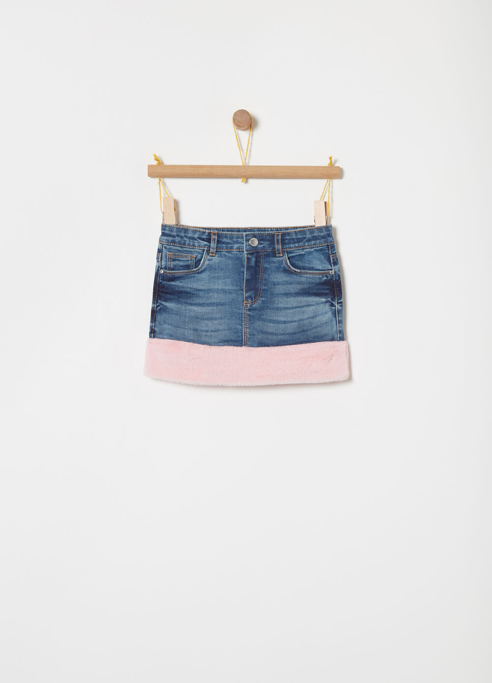 Stretch worn-effect denim skirt with faux fur