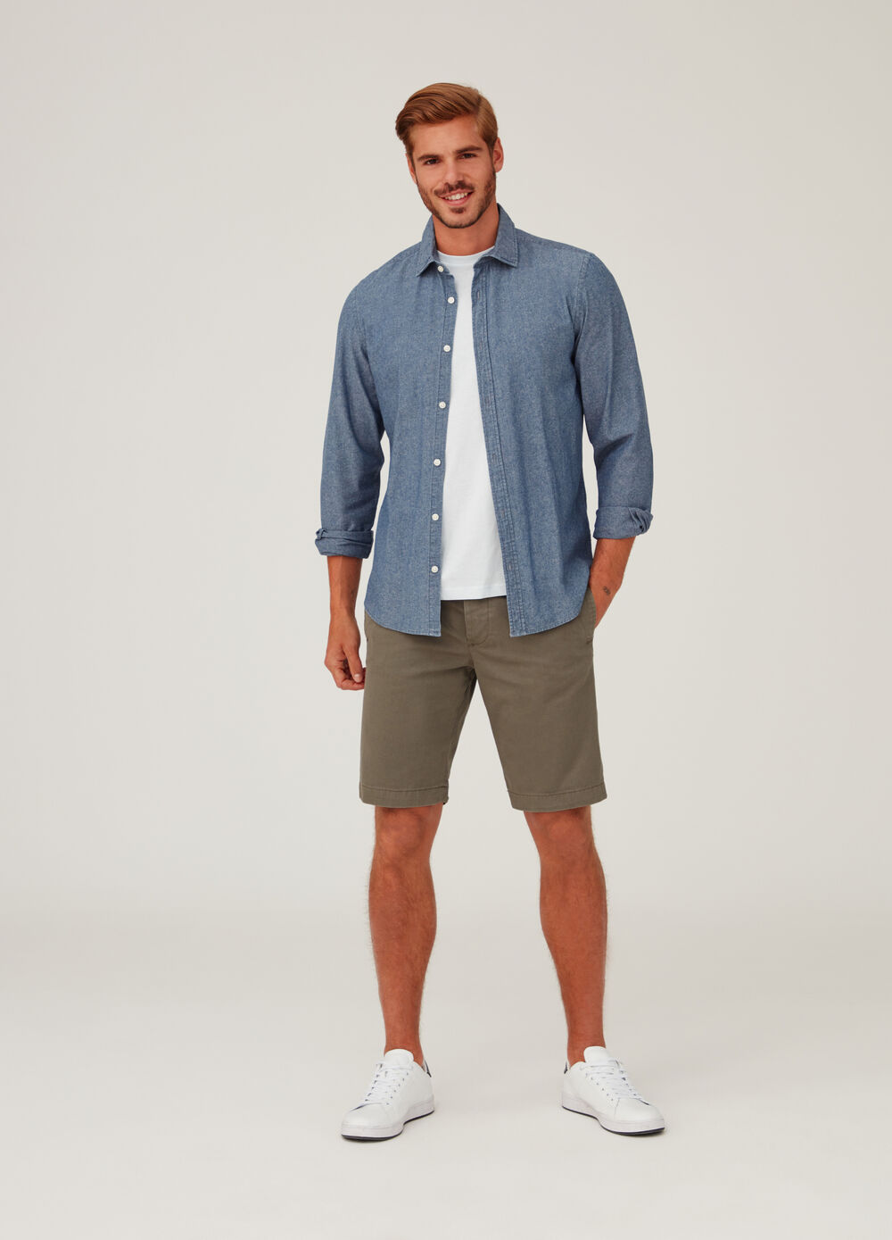 Regular-fit shorts with pockets with flap