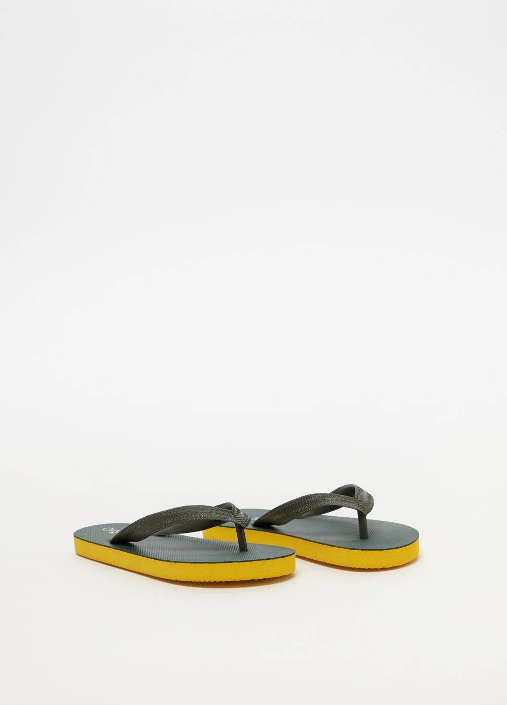 Two-tone thong sandals with geometric laces