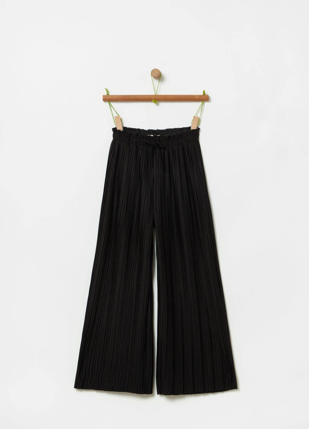 Pleated trousers with drawstring