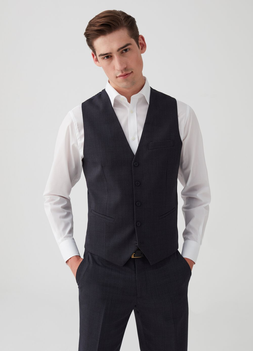 V-neck slim-fit gilet with pockets