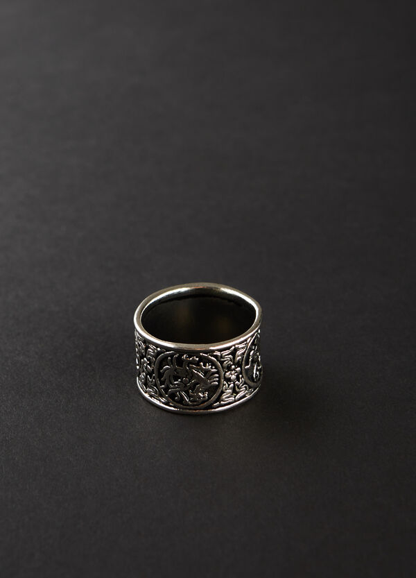 Band ring in detailed steel