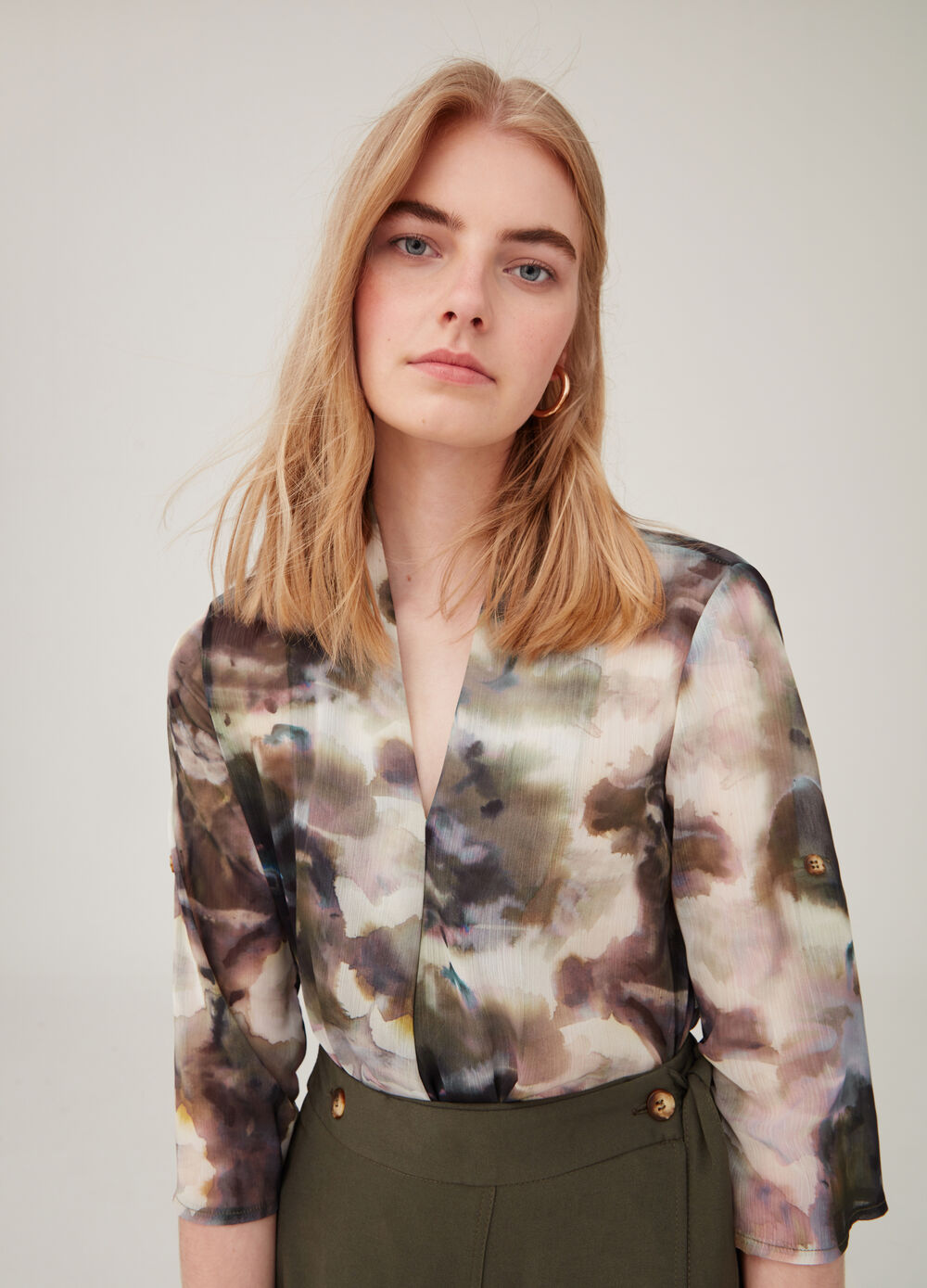 Blouse with elbow-length sleeves and all-over print