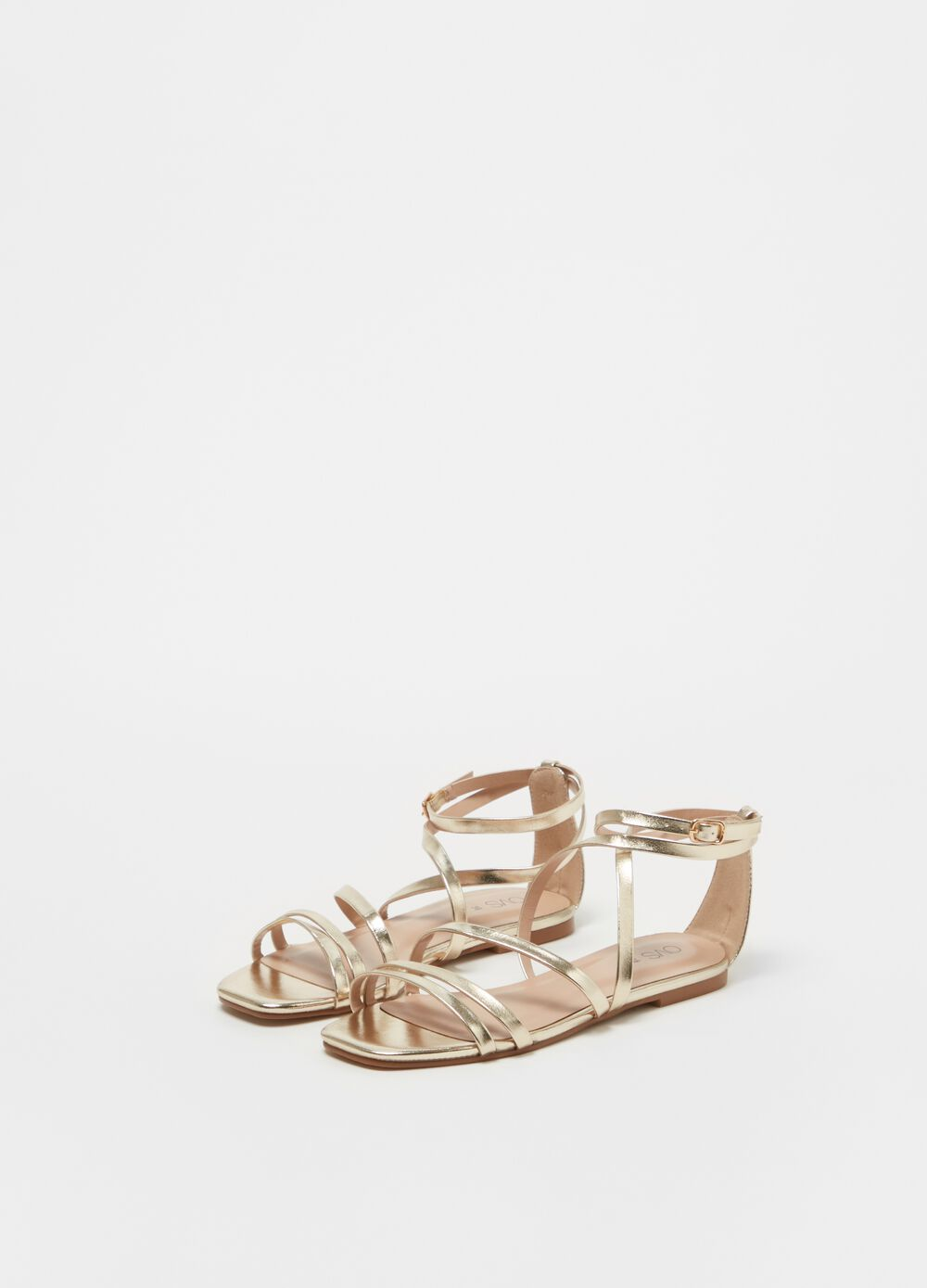 Sandals with solid colour straps