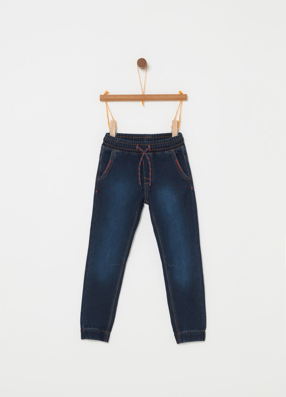 Stretch jeans with pockets and drawstring