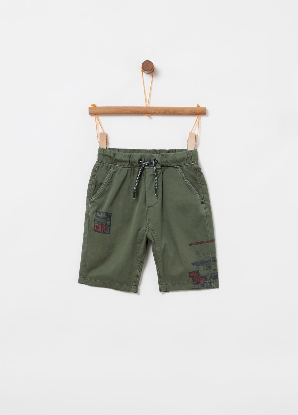 Twill shorts with elastic waist and print