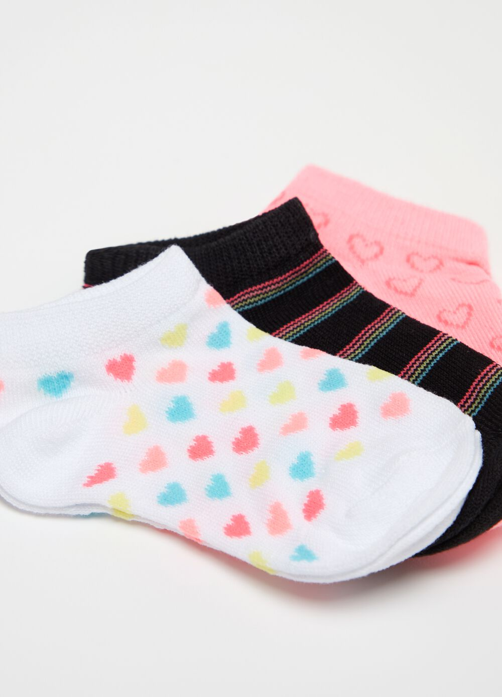 Three-pair pack short socks with stripes and small hearts