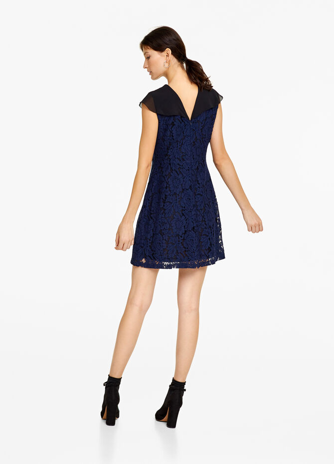 Lace dress with knotted flounce