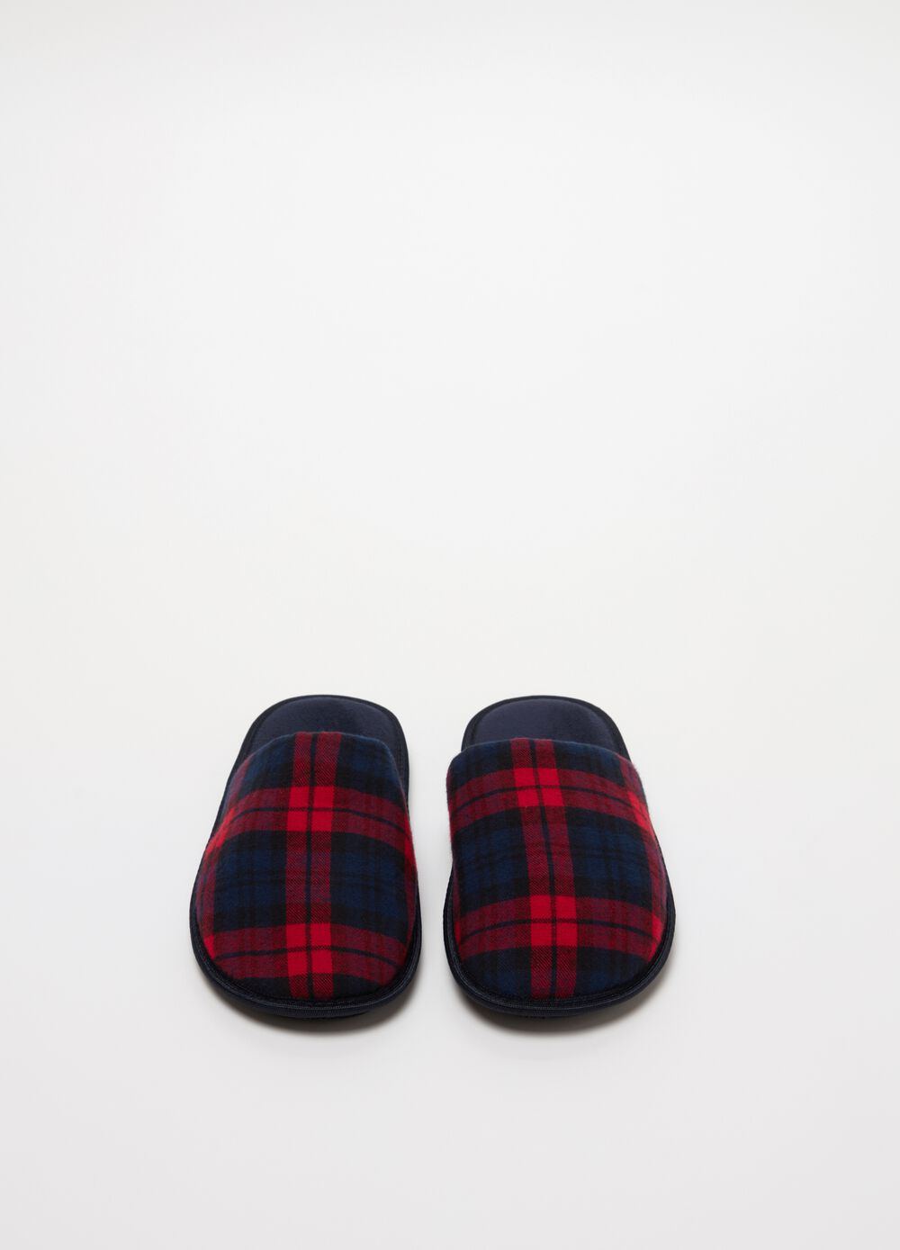 Fabric slippers with check pattern