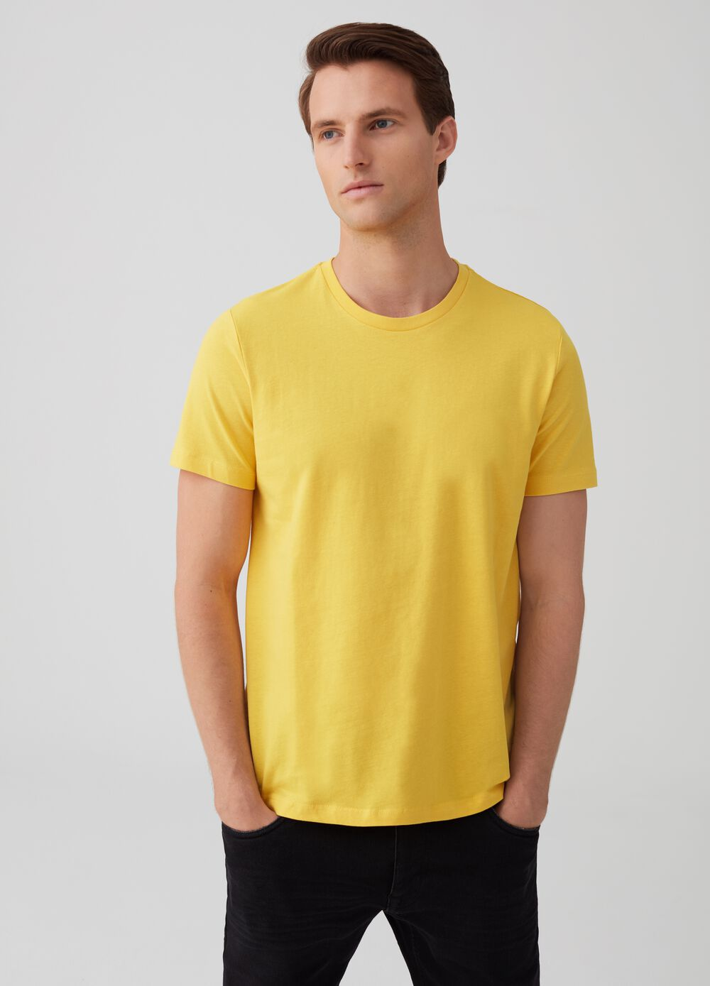 100% cotton T-shirt with round neck