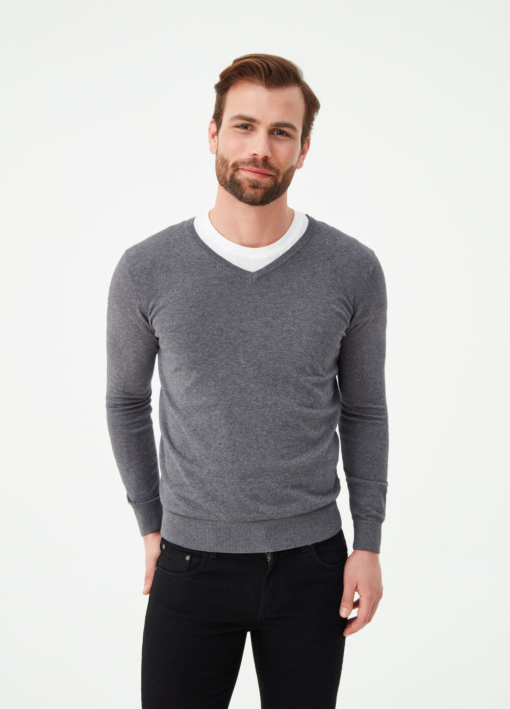 V-neck pullover with knit design