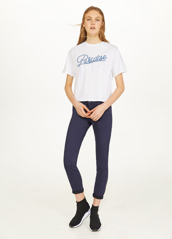 Solid colour cotton T-shirt with embroidery