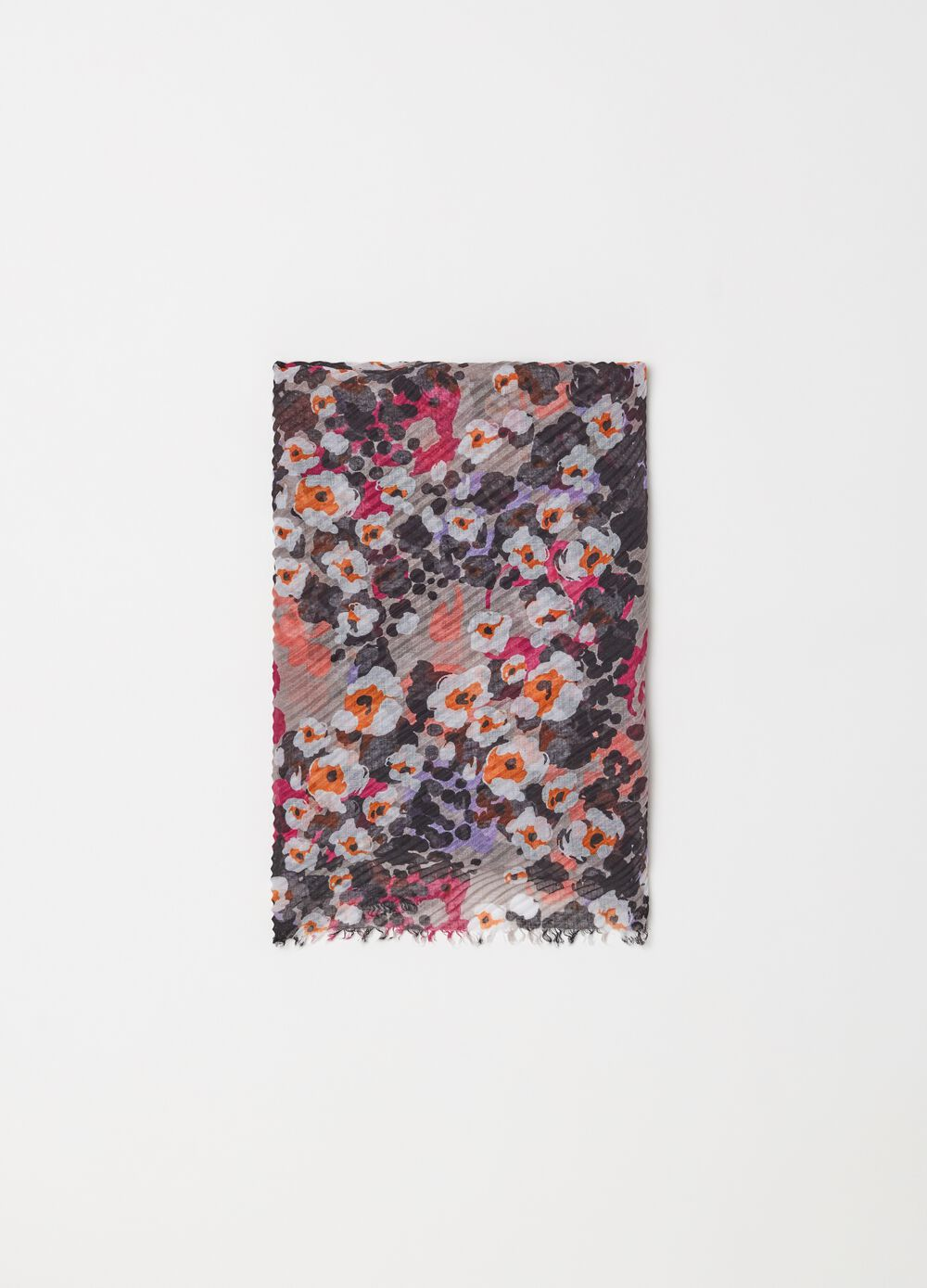 Fringed pashmina with floral pattern