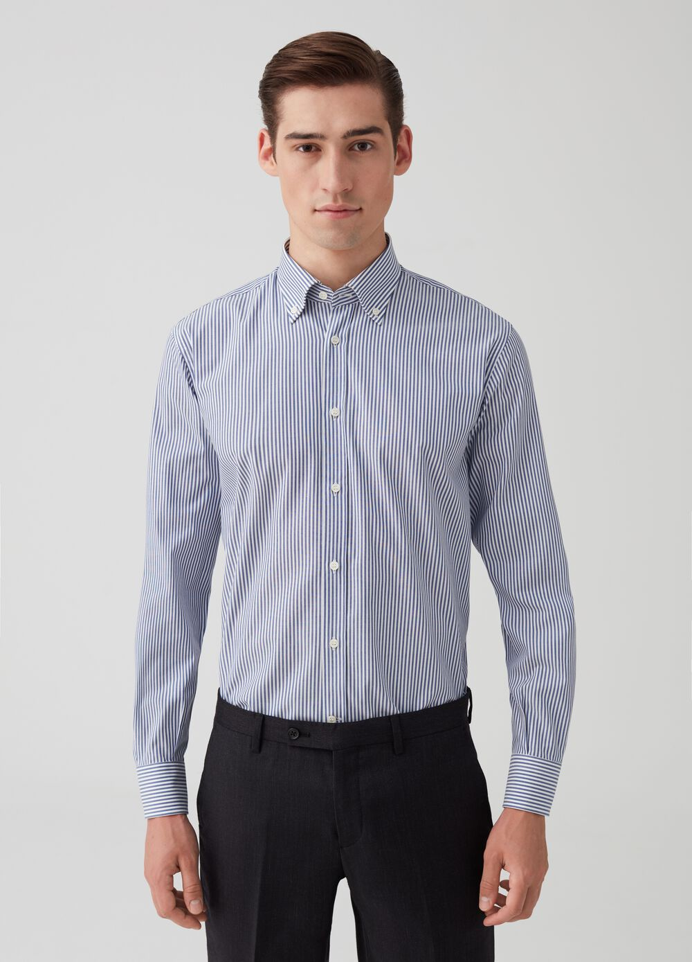 Regular-fit cotton shirt with striped pattern