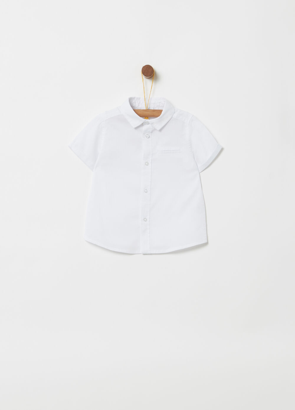 Short-sleeved shirt with pocket
