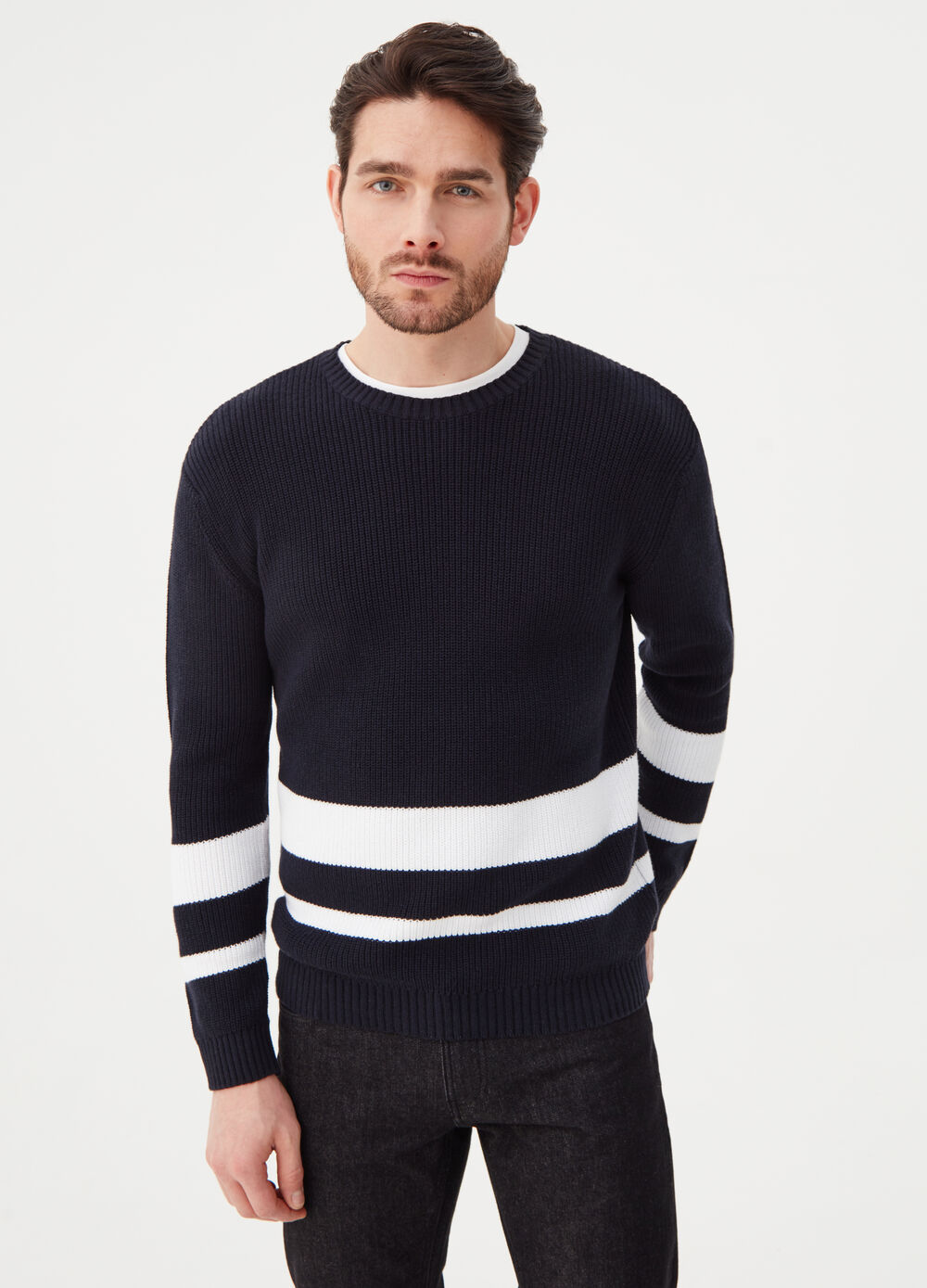 Pullover with drop shoulder
