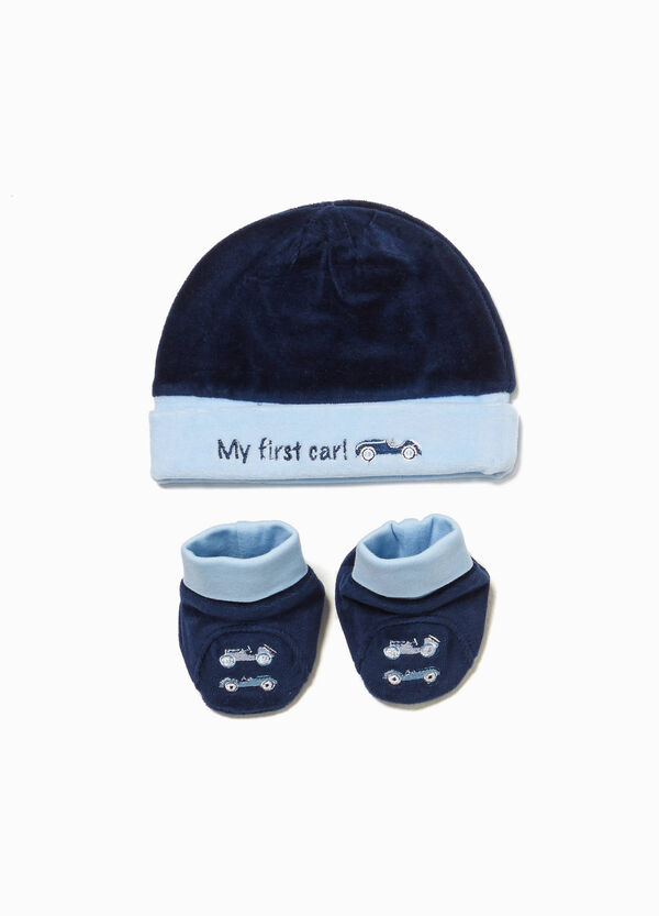 Hat and shoes set with cars