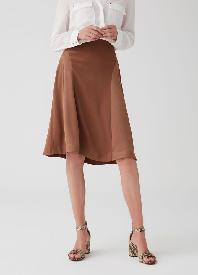Skirt with pleating and zip