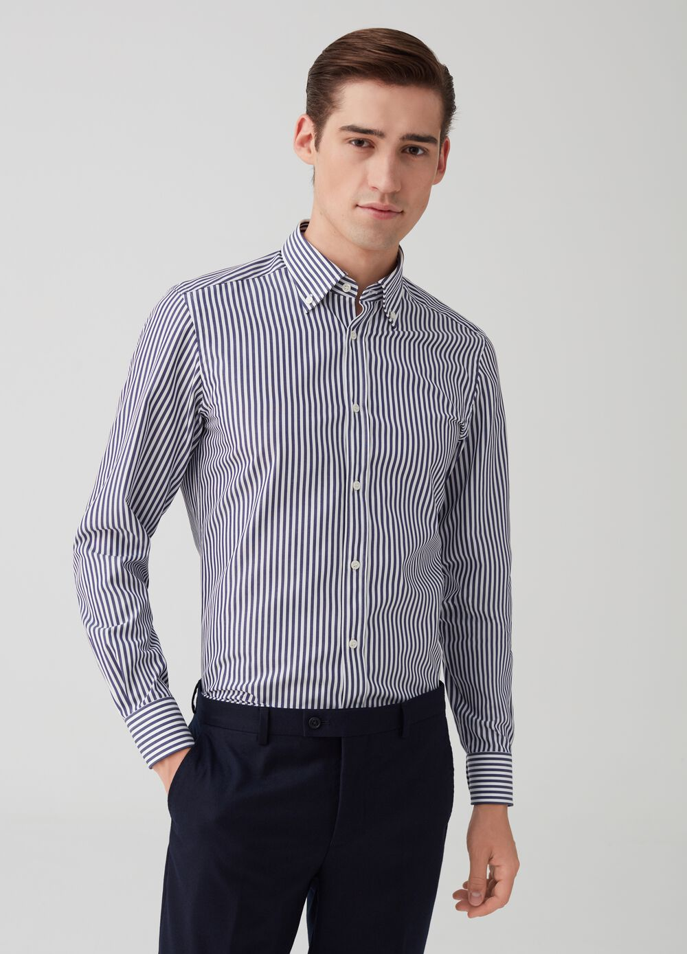 Slim-fit cotton shirt with striped pattern