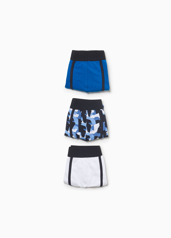 Three-pack solid colour and camouflage stretch boxer shorts
