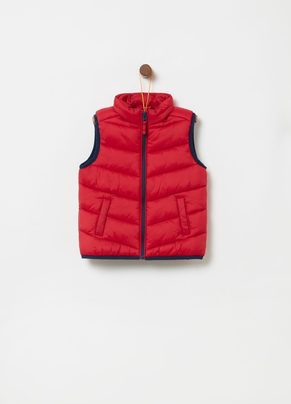 Padded gilet with pockets and zip