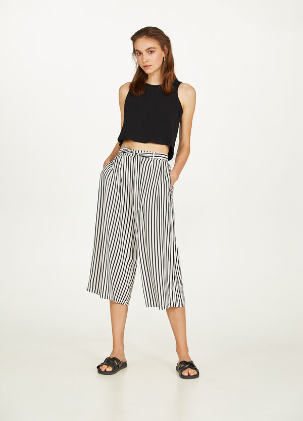 Stretch cotton crop top with laces