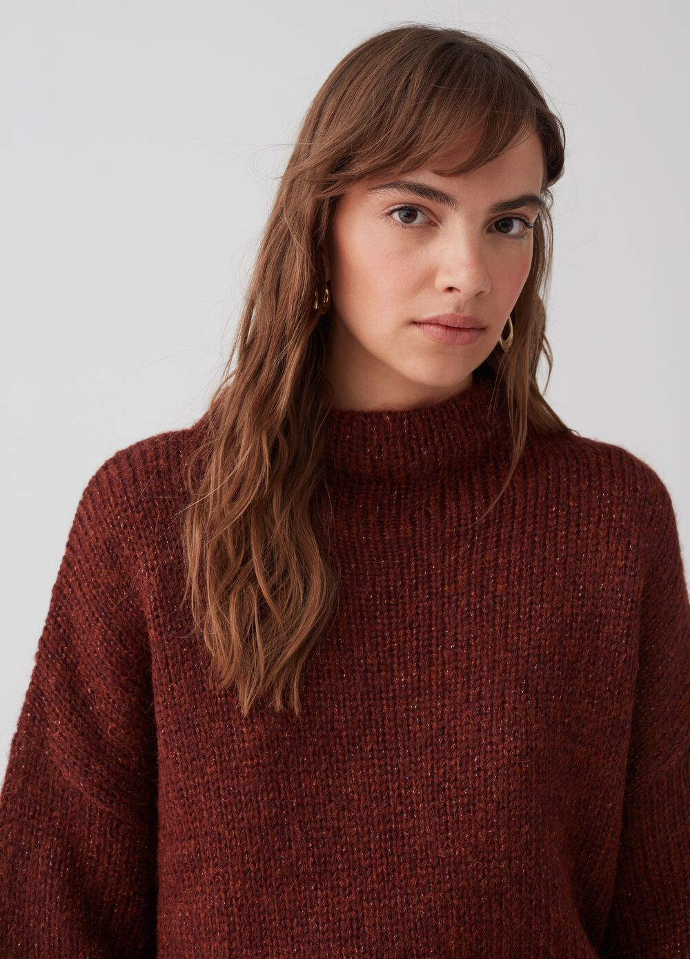 Pullover with lurex, high neck and ribbing