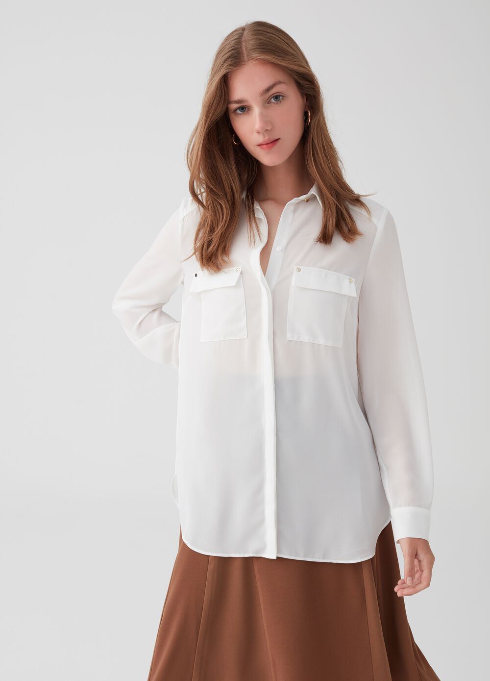 Long shirt with pockets and buttons