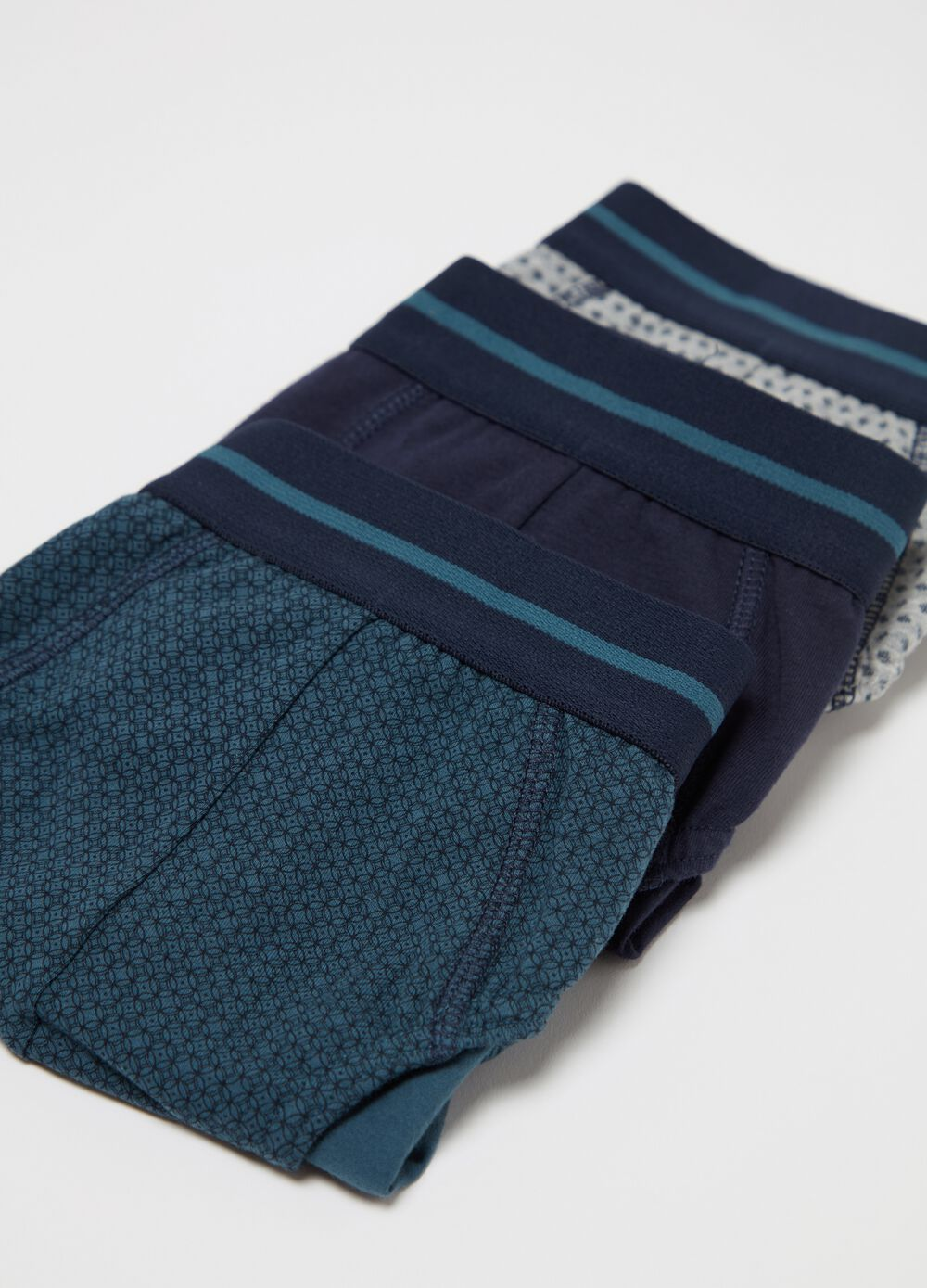 Three-pack patterned briefs in stretch cotton