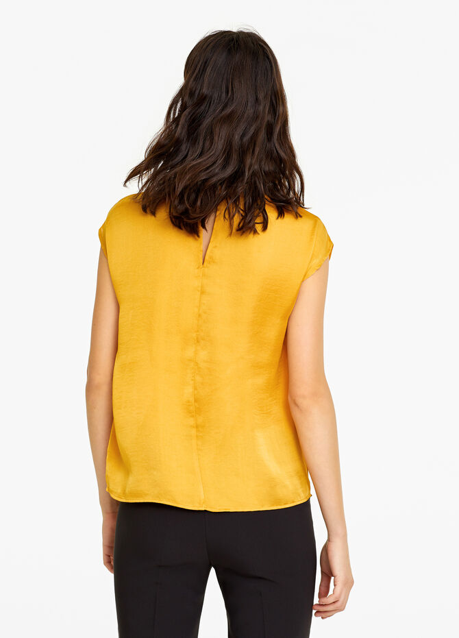 Plain blouse with studs