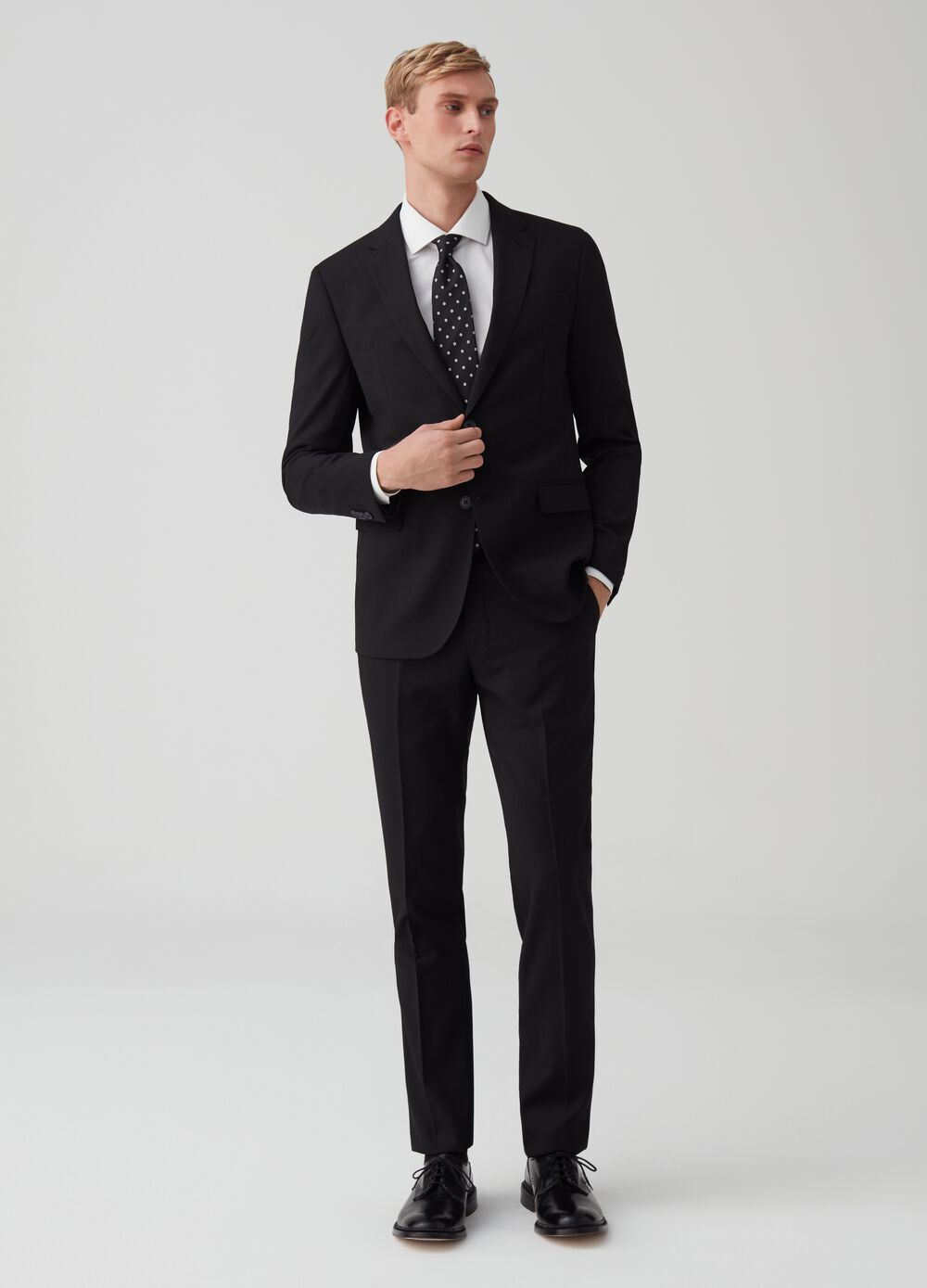 Slim-fit suit with pockets with flap