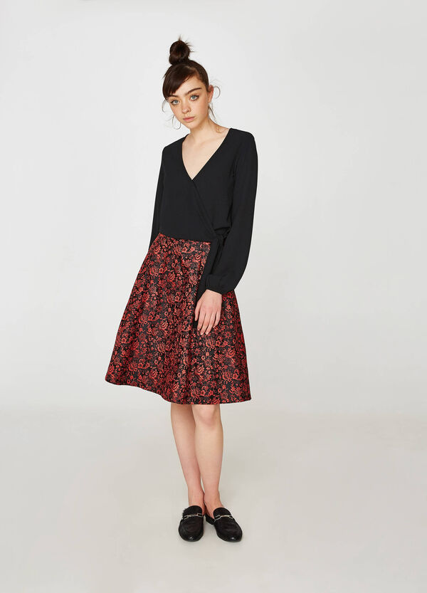 High-waisted skirt with floral pattern