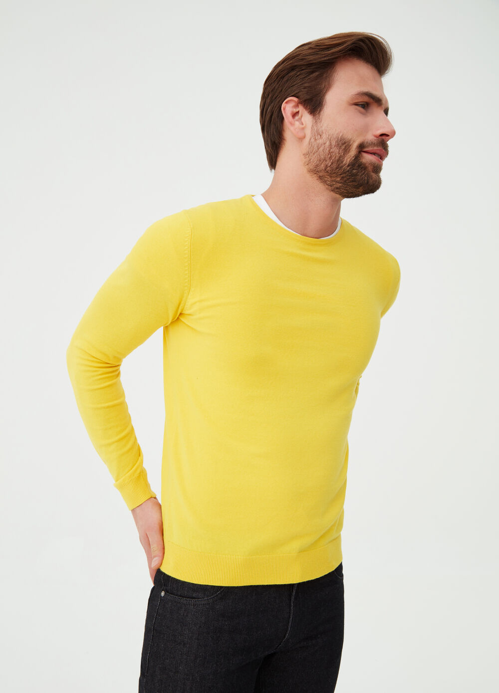 Cotton blend pullover with round neck
