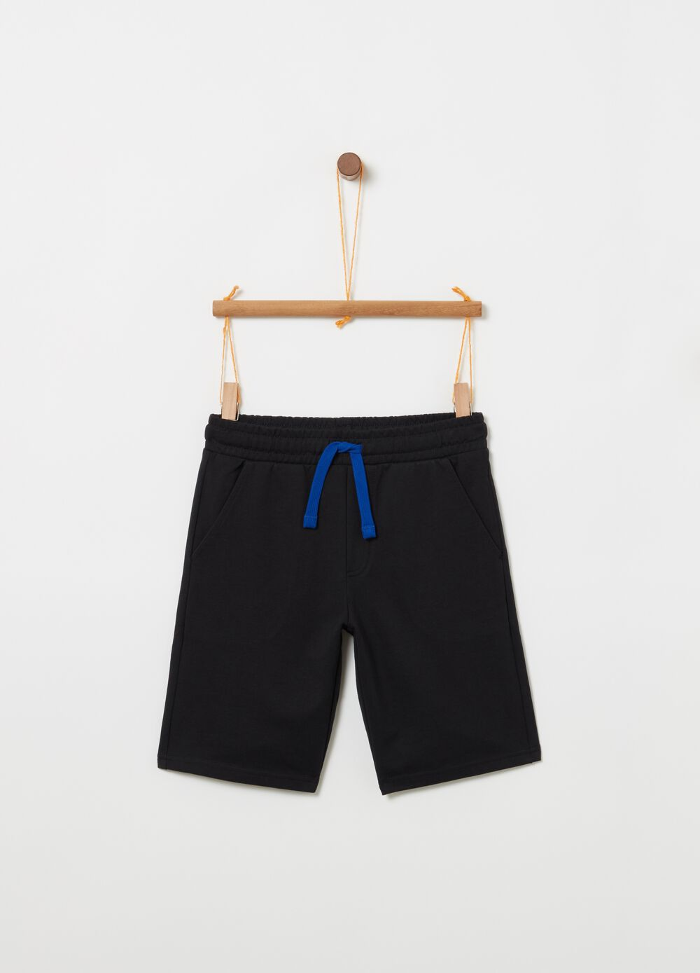 Solid colour 100% cotton shorts with drawstring