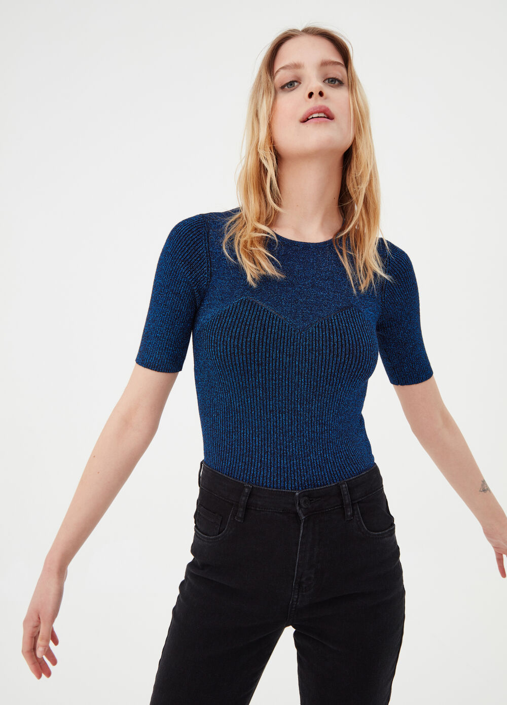 Ribbed top with short sleeves and lurex