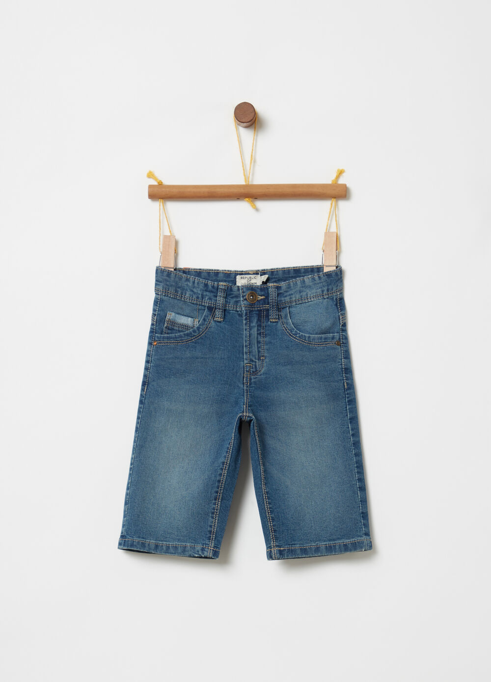 Stretch denim shorts with functional pockets