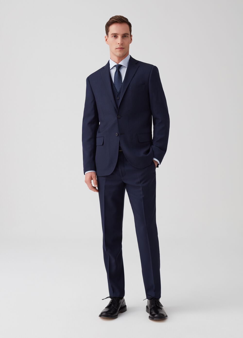 Regular-fit suit with two buttons