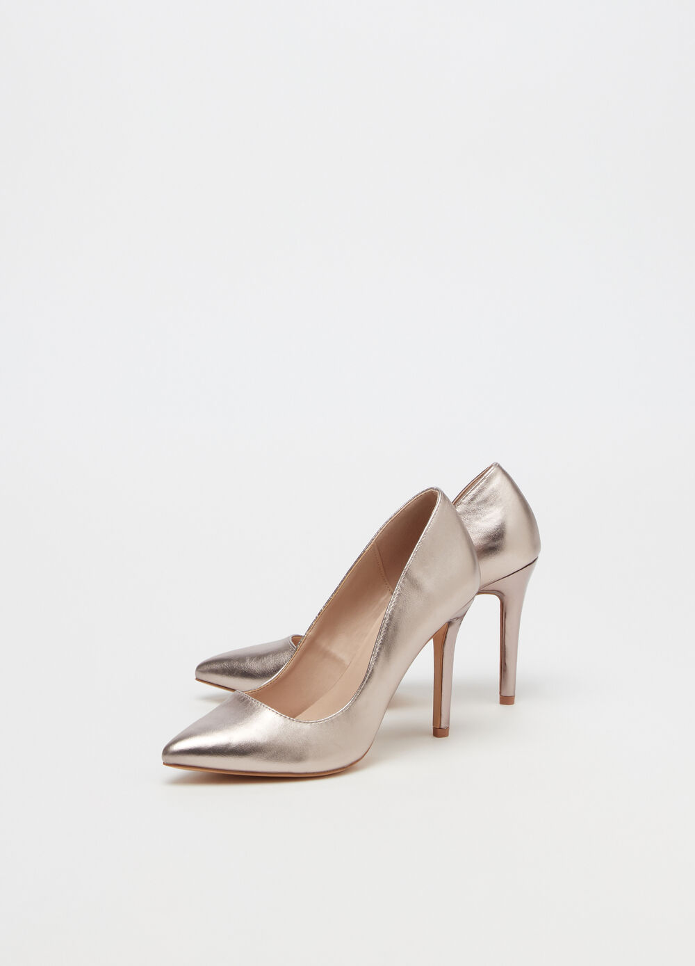 Metallic court shoe with stiletto heel